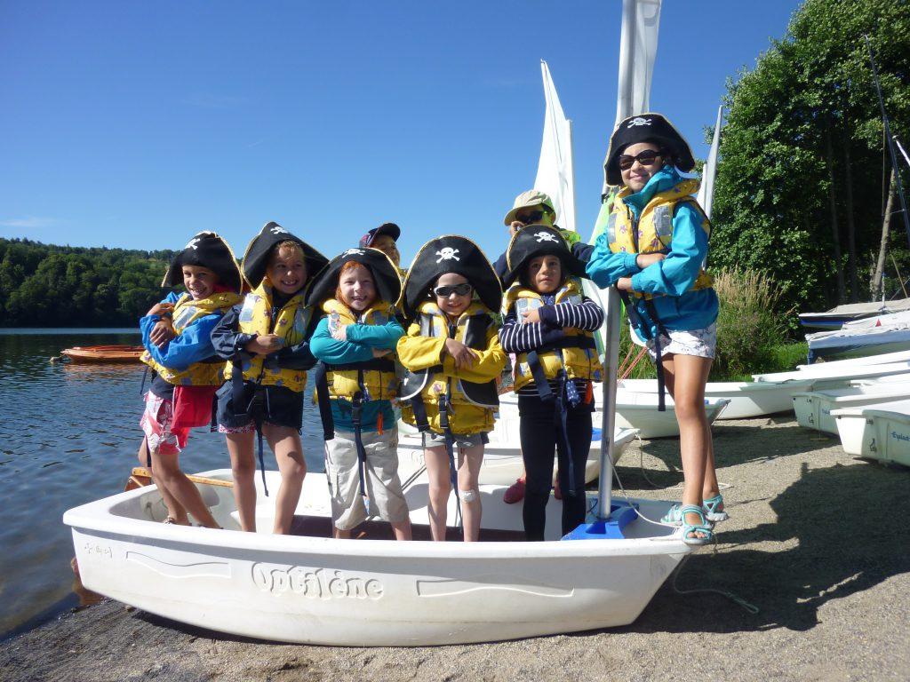 Club des moussaillons au lac d'Aydat - Mond'Arverne Tourisme©
