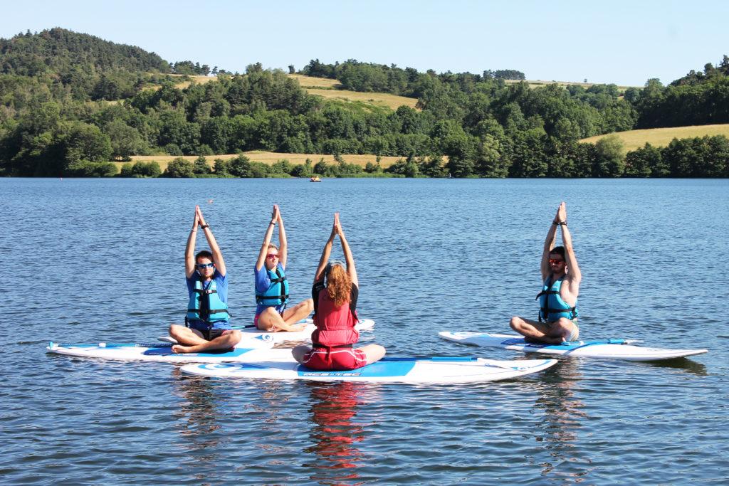 Yoga Paddle sur le lac d'Aydat - Mond'Arverne Tourisme©